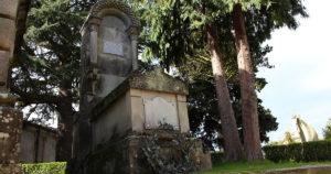 Las visitas teatralizadas nocturnas al cementerio de Pereiró vuelven por Samaín